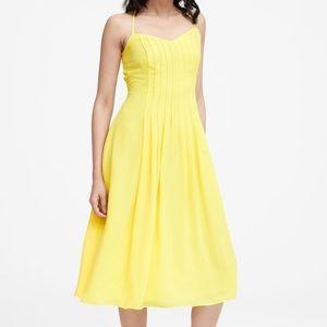 NWT Banana Republic Pin-Tuck Midi Dress